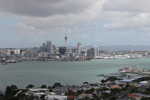 Auckland von Devonport aus gesehen