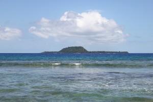 Mangaliliu - Blick auf Eretoka (Hat Island)