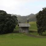 Whatipu: wohl eines der idyllischsten Klos Neuseelands