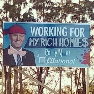 Irgendwo in Auckland: übermaltes John Key Wahlplakat