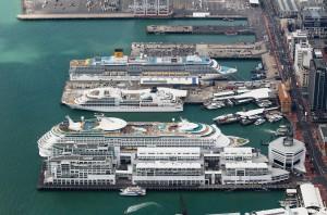 """Auckland an einem """"3-Schiffe-Tag"""" 2013 (c) Jo Brehaut"""