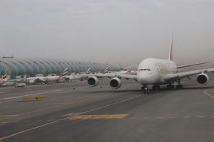 Emirates A380 und ein Sandsturm (c) NZ2Go.de