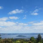 Blick auf Lake Rotorue vom Mt Whakapoungakau (c) unterkiwis.de
